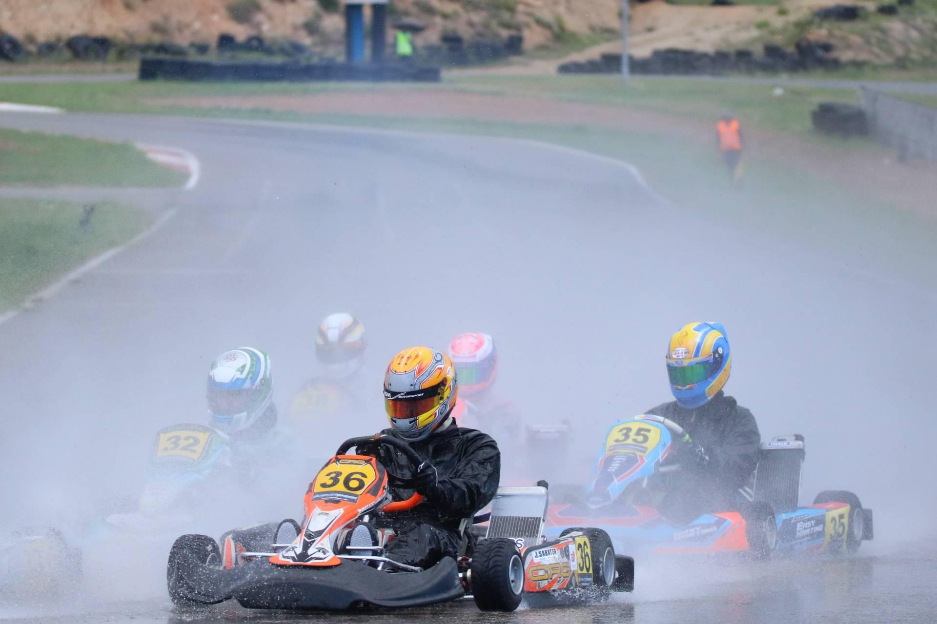 La pluja marca la segona cita del Campionat català de kàrting al Circuit de Móra d'Ebre